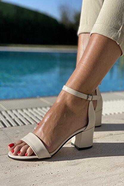 İnan Ayakkabı Kadın Bej Tek Bant Bilekli Topuklu Ayakkabı