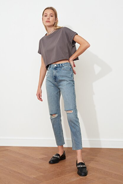 TRENDYOLMİLLA Mavi Yırtık Detaylı Yüksek Bel Mom  Jeans TWOSS20JE0353