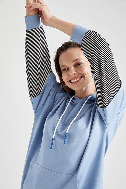 Defacto Kadın Mavi Renk Bloklu Kapüşonlu Kanguru Cepli Sweat Tunik