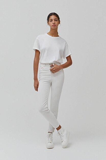 Pull & Bear Kadın Beyaz Süper Yüksek Bel Slim Fit Mom Jeans
