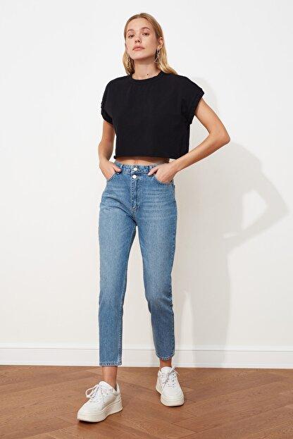 TRENDYOLMİLLA Mavi Çift Düğmeli Yüksek Bel Mom Jeans TWOSS21JE0153