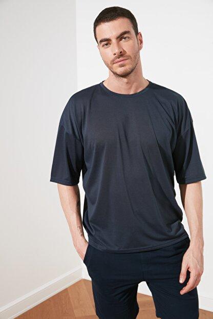 TRENDYOL MAN Açık Lacivert Basic Erkek Oversize Bisiklet Yaka Kısa Kollu T-Shirt TMNSS21TS0811