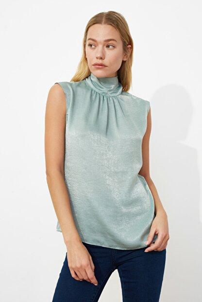 TRENDYOLMİLLA Mint Yaka Detaylı Bluz TWOSS20BZ0490