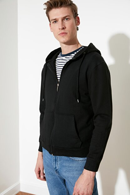 TRENDYOL MAN Siyah Erkek Regular Fit Basic Kapüşonlu Fermuarlı Sweatshirt TMNAW20SW0262