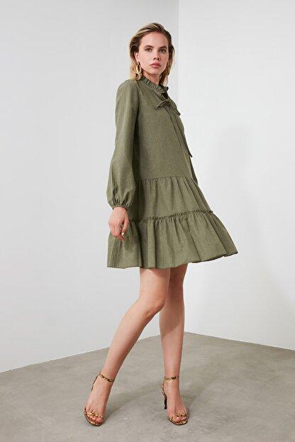 TRENDYOLMİLLA Haki Geniş Kesim Fırfırlı Elbise TWOAW20EL1506