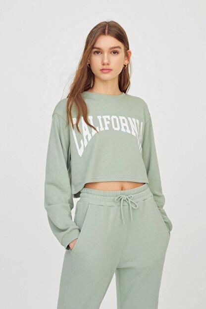 Pull & Bear Kadın  Açık Yeşil Kontrast Yazılı Sweatshirt 04591442