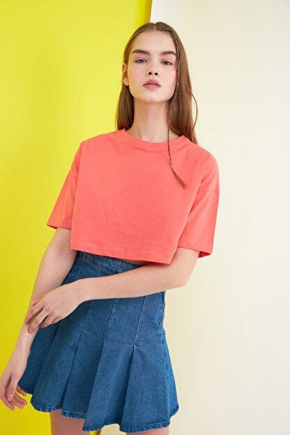 TRENDYOLMİLLA Turuncu Crop Örme T-Shirt TWOSS21TS0784