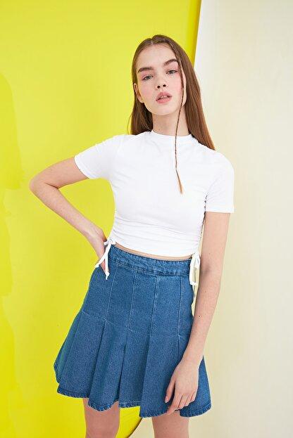 TRENDYOLMİLLA Beyaz Büzgülü Örme Bluz TWOSS21BZ0180