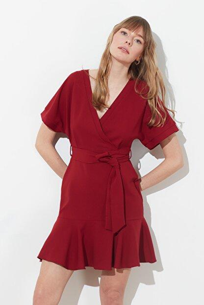 TRENDYOLMİLLA Bordo Kuşaklı Elbise TWOSS20EL0944