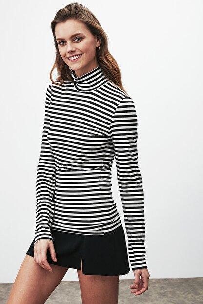 GRIMELANGE CAMILLA Kadın Siyah Beyaz Çizgili Desen Yarım Boğazlı Dar Kesim Bluz