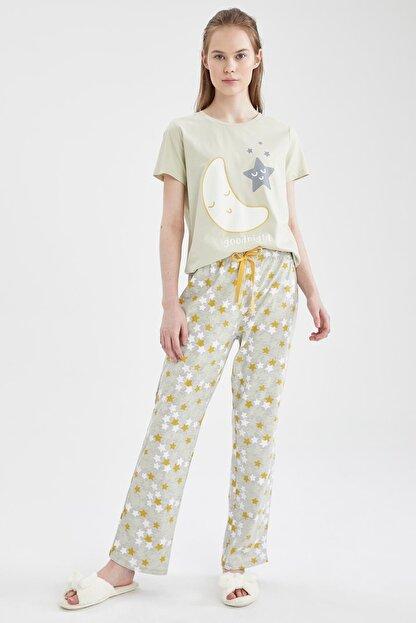Defacto Kadın Ekru Relax Fit Baskılı Kısa Kol Pijama Takımı