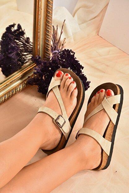 Fox Shoes Kadın Bej Süet Terlik B777753002