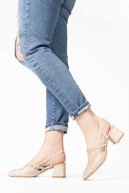 CZ London Kadın Bej Hakiki Deri Sandalet Küt Burun Kare Topuklu Ayakkabı