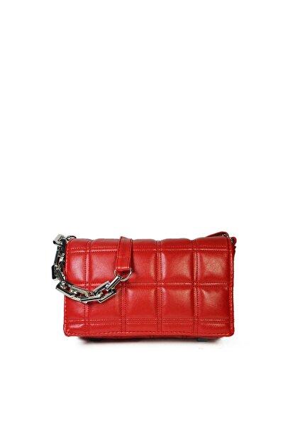 Güce Kırmızı Kare Nakışlı Plastik Zincirli Askılı El Ve Omuz Çantası Gc003402