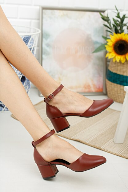 MERVE BAŞ Bordo Cilt Bilekten Tek Bant Kalın Topuklu Klasik Ayakkabı