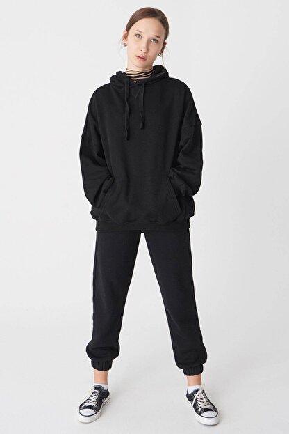 Addax Kadın Siyah Kapüşonlu Sweatshirt S0519 - P10V1 Adx-0000014040