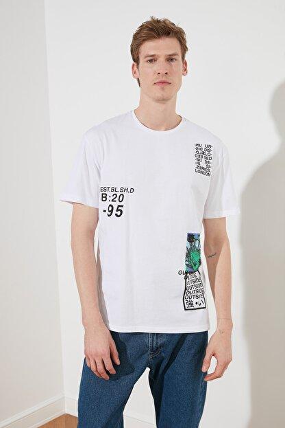 TRENDYOL MAN Beyaz Erkek Slim Fit Baskılı Bisiklet Yaka Bol Kesim T-Shirt TMNSS20TS0642