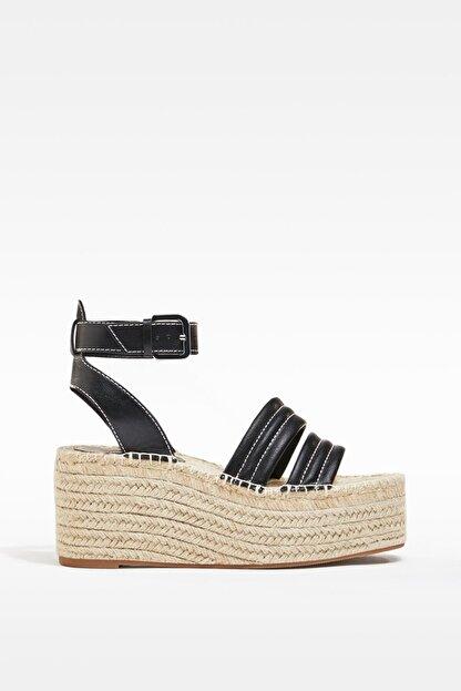 Bershka Dikiş Detaylı Hasır Platform Sandalet