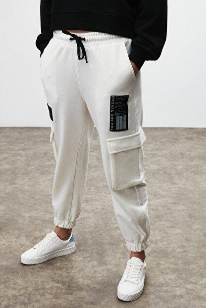 GRIMELANGE DIXIE Kadın Beyaz Beli ve Paçası Lastikli Kargo Cepli Pantolon