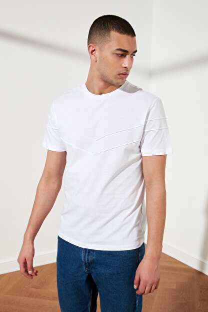 TRENDYOL MAN Beyaz Erkek Slim Fit Bisiklet Yaka T-Shirt TMNSS21TS0444