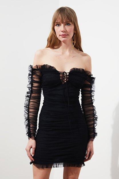 TRENDYOLMİLLA Siyah Drapeli Tül Elbise TPRSS20EL0800