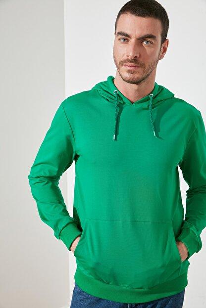 TRENDYOL MAN Zümrüt Yeşili Erkek Regular Fit Kapüşonlu Kanguru Cepli Uzun Kollu Sweatshirt TMNAW20SW0162