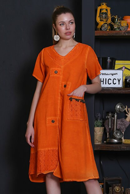 Chiccy Kadın Turuncu Dantel Yaka Ve Cep Detaylı Süs Düğmeli Astarlı Yıkamalı Elbise M10160000EL95281
