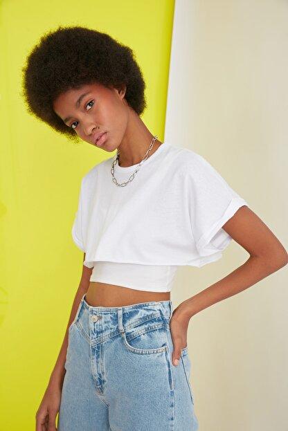 TRENDYOLMİLLA Beyaz Süper Crop Örme T-Shirt TWOSS21TS0091