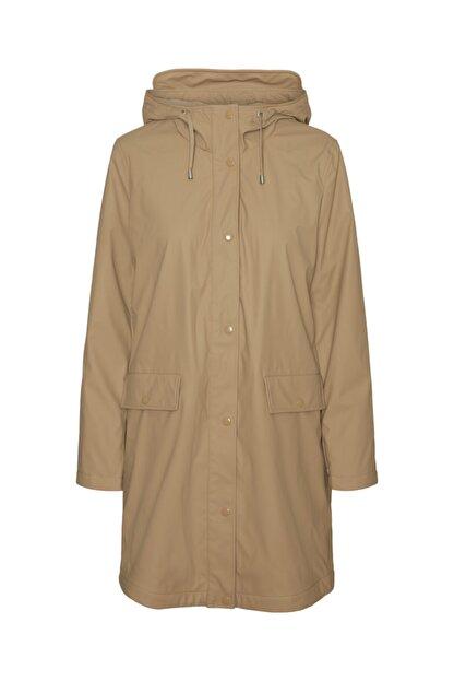 Vero Moda Kadın Bej Kapüşonlu Polarlı Yağmurluk Mont 10238956