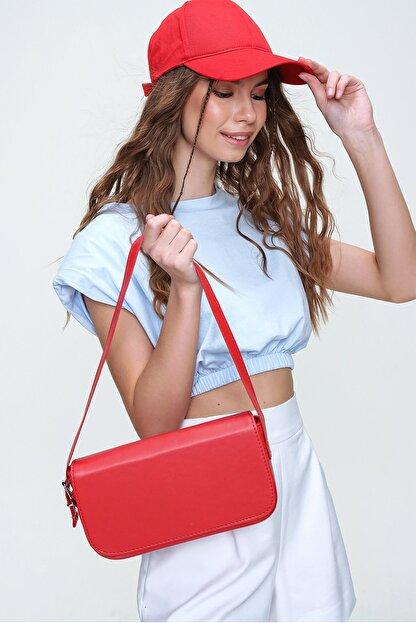 Trend Alaçatı Stili Kadın Kırmızı Dikdörtgen Şekil Suni Deri Omuz Çantası ALC-A2169