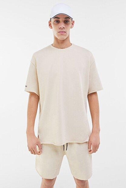 Bershka Erkek Kum Rengi Soluk Efektli Pamuklu T-Shirt 02406240