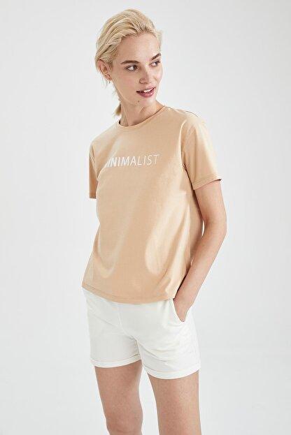 Defacto Kadın Bej Slogan Baskılı Pamuklu Relax Fit Kısa Kollu Tişört