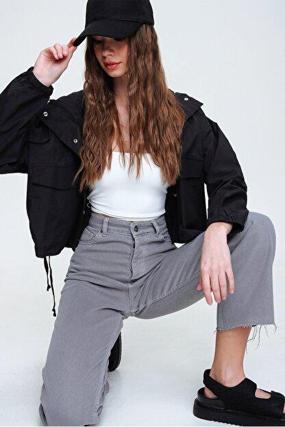 Trend Alaçatı Stili Kadın Duman Gri Beş Cepli Paçası Dikişsiz Yüksek Bel Jeans ALC-X5961