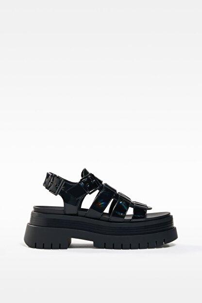 Bershka Kadın Siyah Yanardöner Platform Bantlı Sandalet