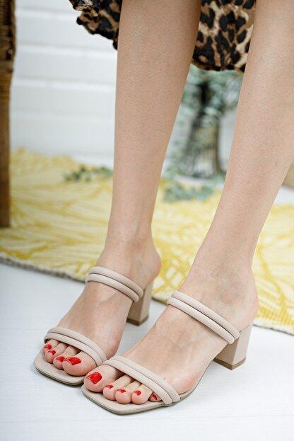 meyra'nın ayakkabıları Kadın Ten Çift Bantlı Topuklu Terlik