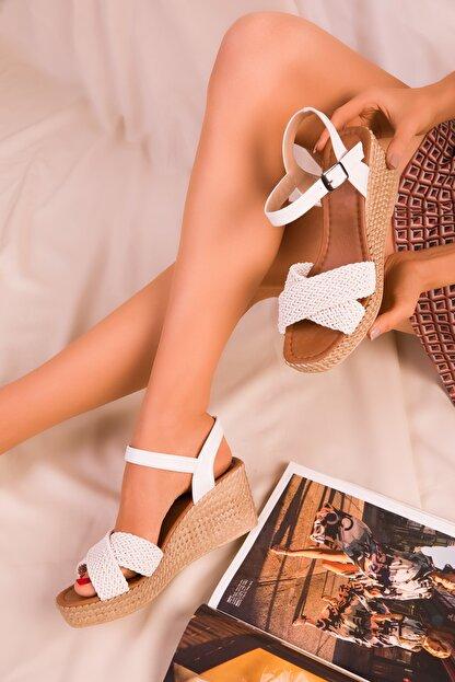 Soho Exclusive Beyaz Kadın Dolgu Topuklu Ayakkabı 15850