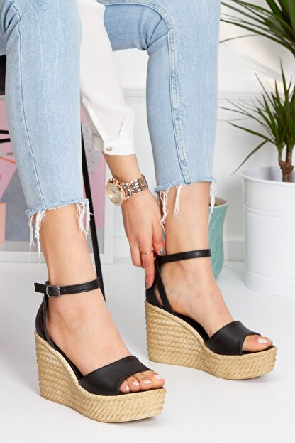 derithy Kadın Siyah Vinle Dolgu Topuklu Ayakkabı lzt0590