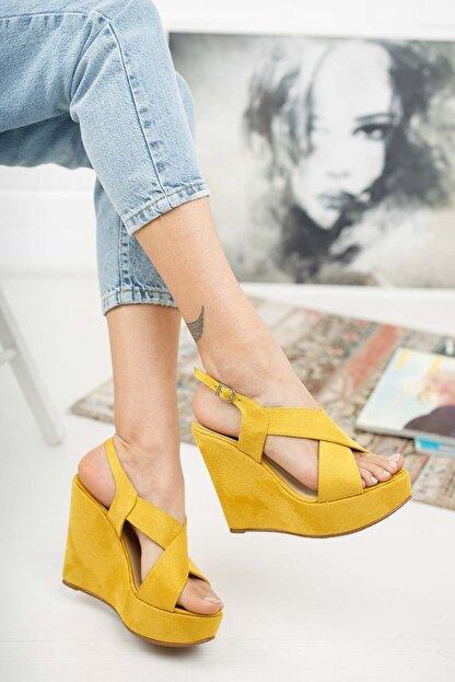 Ayakkabı Ateşi Hardal Rengi Çapraz Yandan Ayarlanabilir 12cm Dolgu Topuklu Ayakkabı