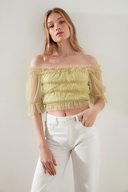 TRENDYOLMİLLA Sarı Tül Örme Bluz TWOSS21BZ0637