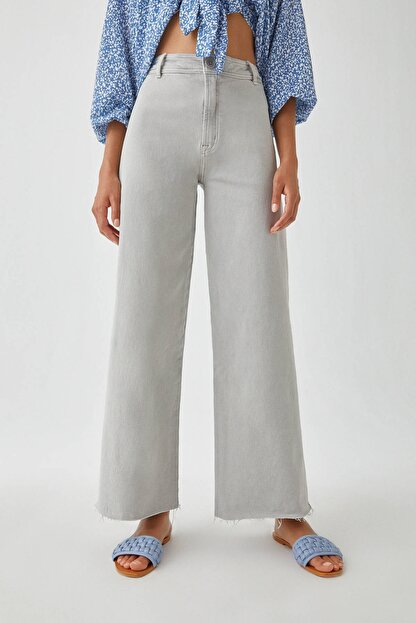 Pull & Bear Kadın Gri Yüksek Bel Crop Fit Pantolon. 09678302