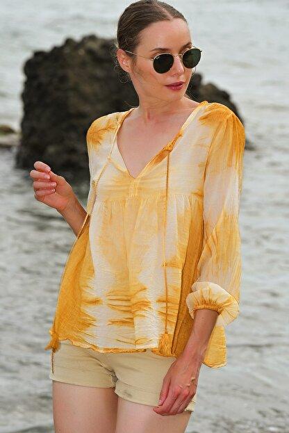 Trend Alaçatı Stili Kadın Hardal V Yaka Batik Desenli Bluz ALC-020-039-PW-RW1