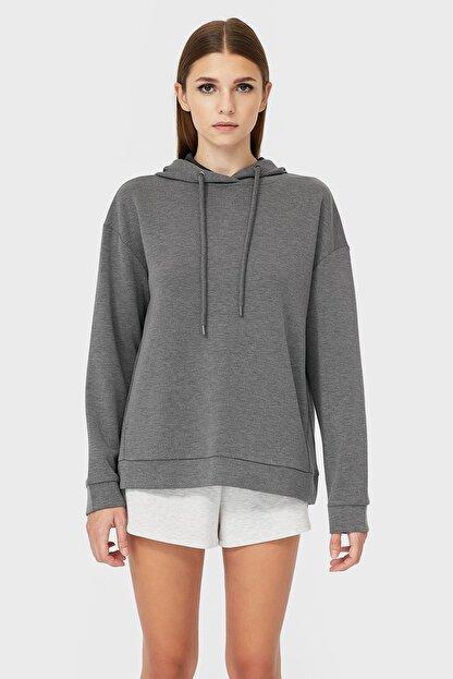 Stradivarius Kadın Koyu Gri Kapüşonlu Basic Sweatshirt 06502601