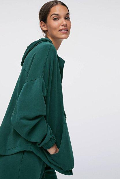 Oysho Kadın Yeşili Önü Büyük Cepli Yumuşak Dokulu Sweatshirt