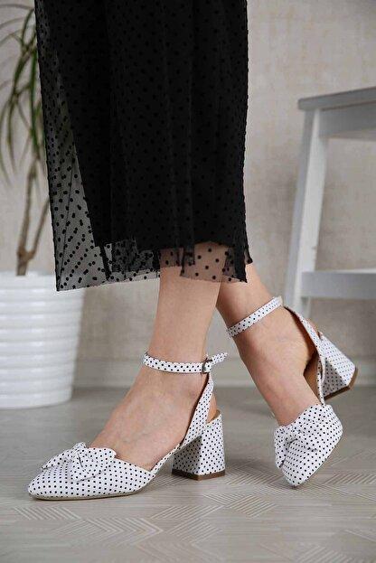 Ccway Kadın Beyaz Puantiyeli Papyonlu Topuklu Sandalet