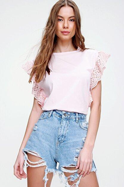 Trend Alaçatı Stili Kadın Pudra Güpür Kollu Vatkalı Bluz ALC-X5939