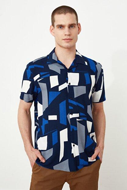 TRENDYOL MAN Siyah Erkek Regular Fit Apaş Yaka Geometrik Gömlek TMNSS21GO0488