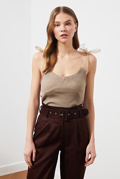 TRENDYOLMİLLA Vizon Tül Detaylı Triko Bluz TWOSS21BZ0120