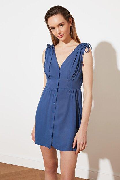 TRENDYOLMİLLA Indigo V Yaka Düğmeli Elbise TWOSS21EL1646