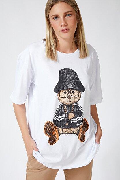 Happiness İst. Kadın Beyaz Baskılı Oversize Uzun Penye T-shirt ZV00105