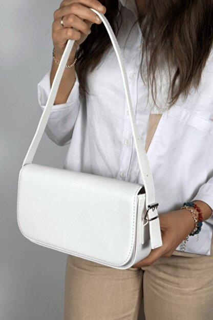 LinaConcept Kadın Beyaz Kapaklı Baget Çanta